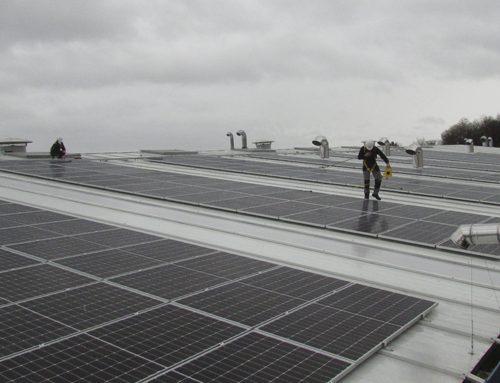 Nueva instalación fotovoltaica en la cubierta de una industria en Galicia